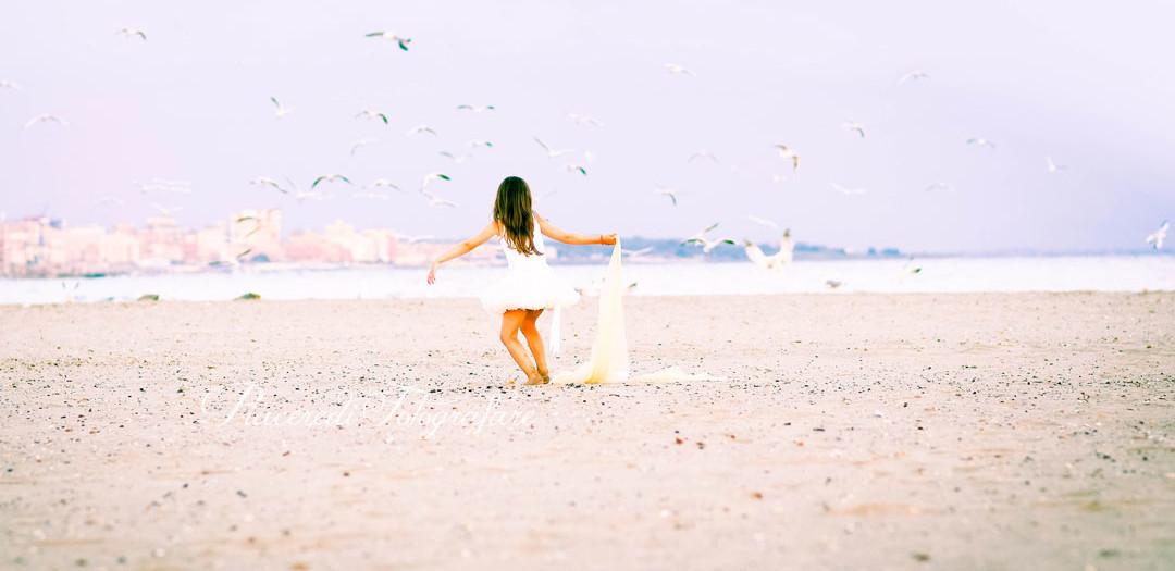 Annalisa e i piedini sulla sabbia