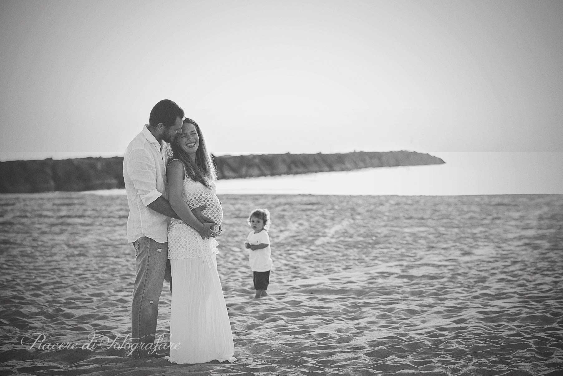 Fotografa gravidanza roma al mare - Bagno al mare in gravidanza ...