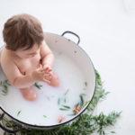 servizio fotografico bambino latte