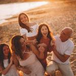 foto famiglia al mare