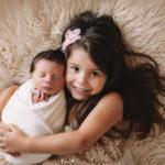 servizi fotografici a neonati con sorella